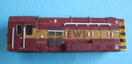 371-016 - Class 08 EWS livery running No08921