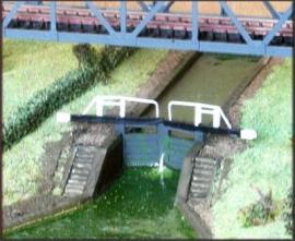NA55 - Broad Canal Lock Scene (Inc. Full Sides & Gates)