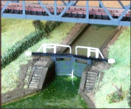 NA56 - Broad Canal Lock Scene (Top and Bottom Gates)